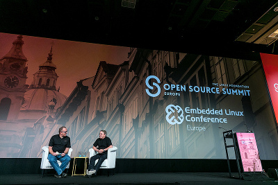 Linus Torvalds at ELCE 2017